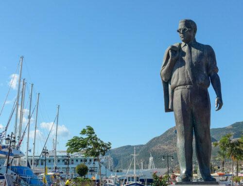 Statue of Aristotle Onasis